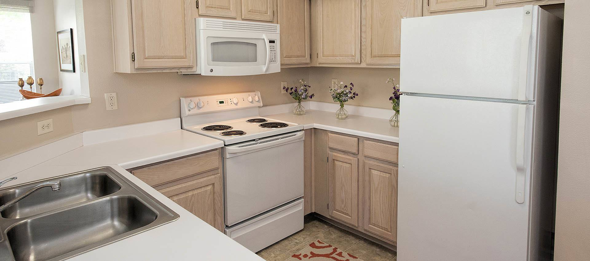 Standard kitchen at The Vintage at South Meadows Condominium Rentals in Reno