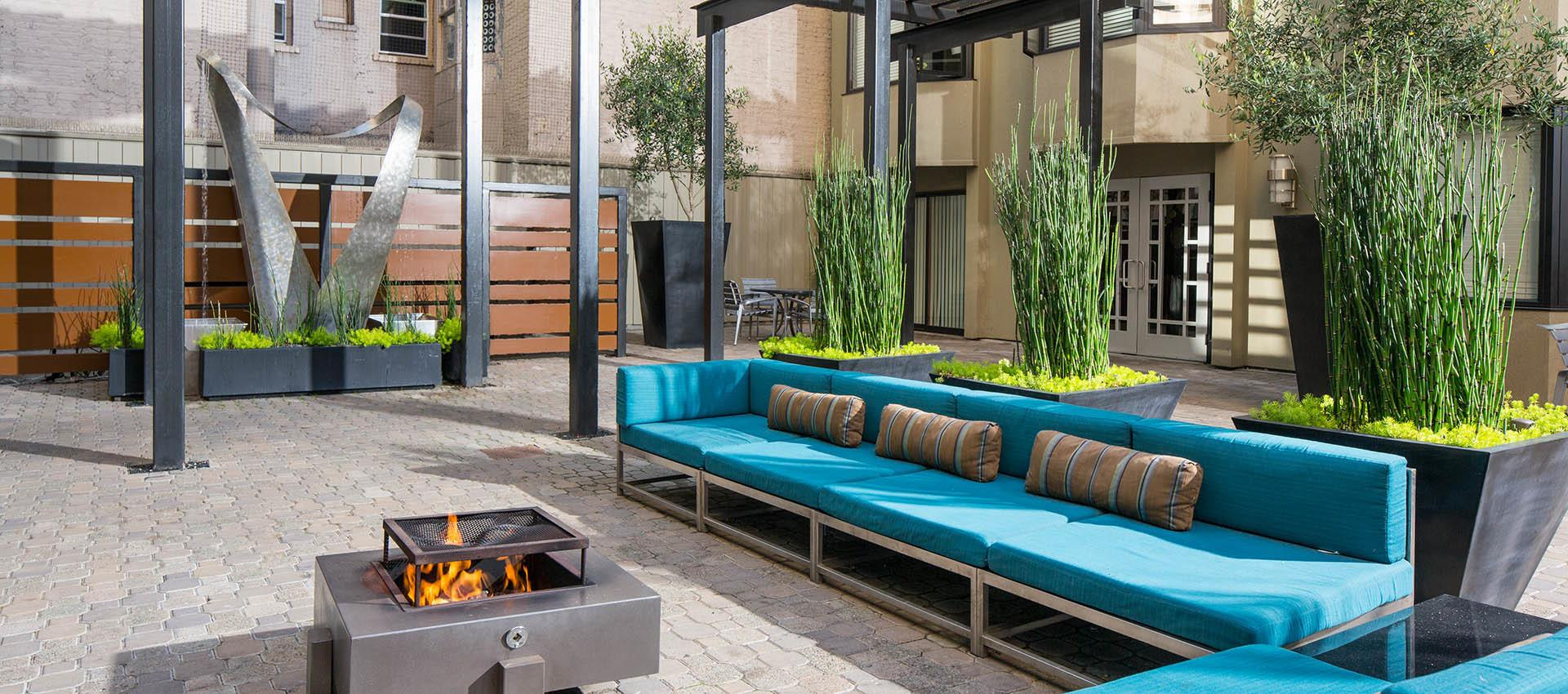 Courtyard with Fireside Seating at Tower 737 Condominium Rentals in San Francisco