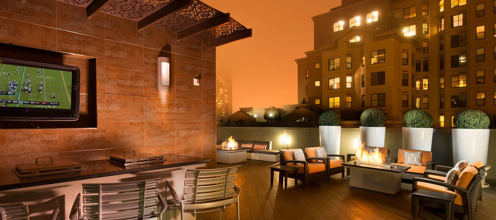 Rooftop Deck at Tower 737 Condominium Rentals in San Francisco
