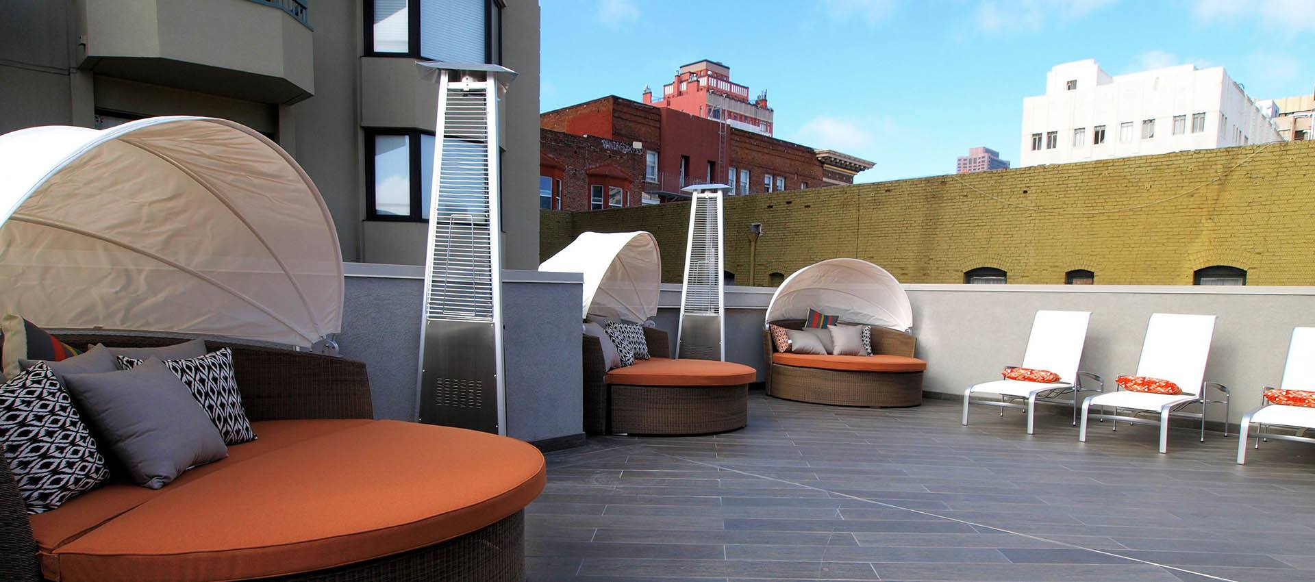 Rooftop Seating at Tower 737 Condominium Rentals in San Francisco