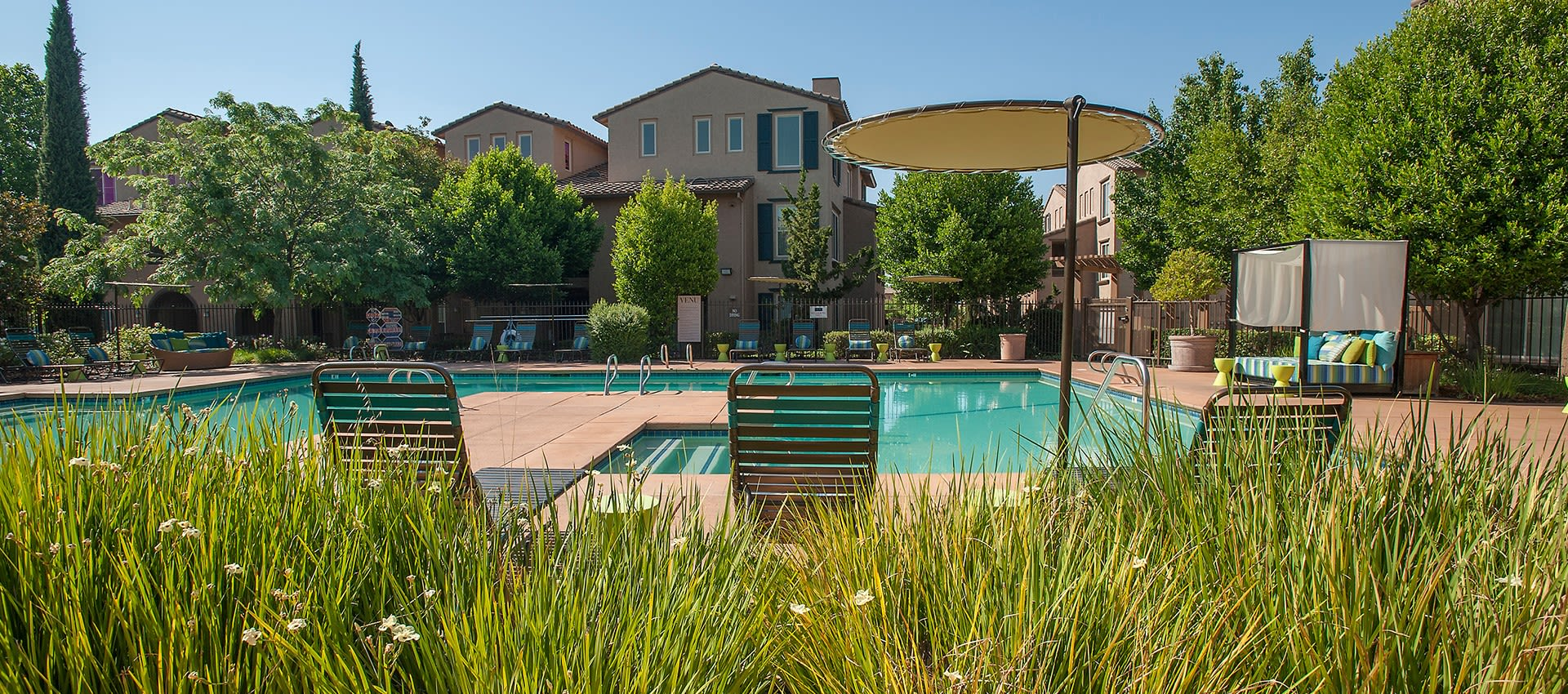 View photos of our luxurious property at Venu at Galleria Condominium Rentals in Roseville, California