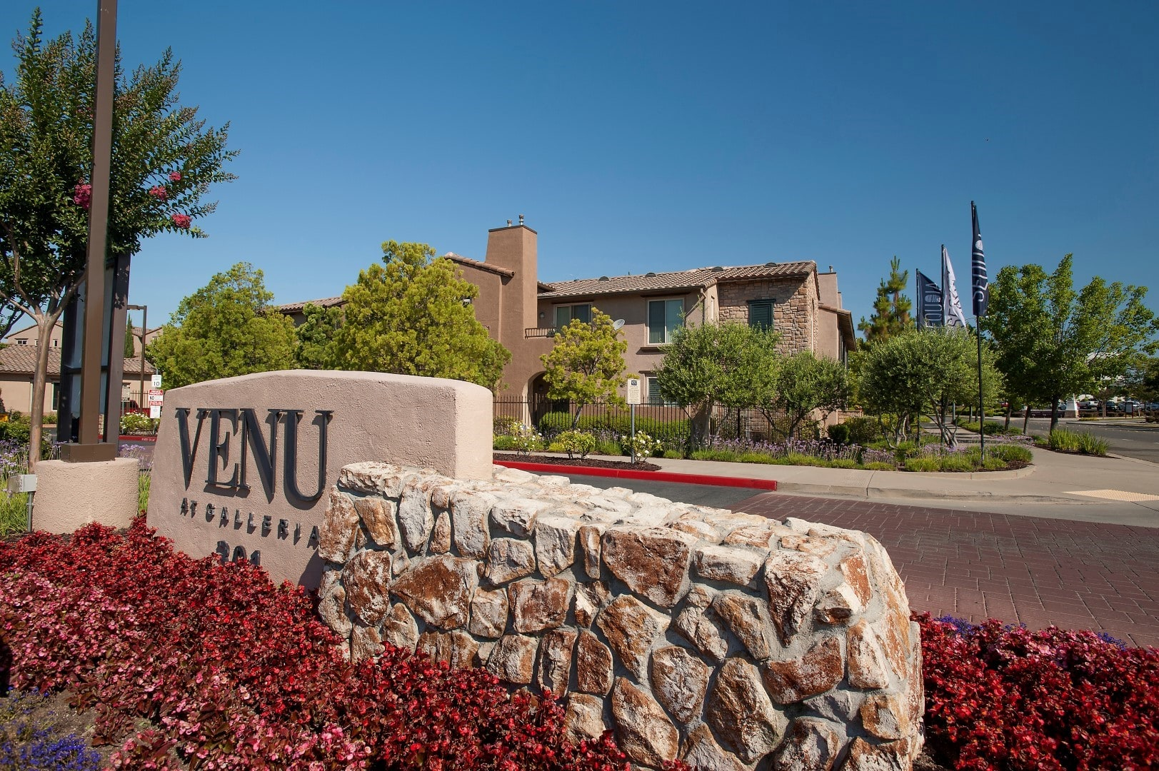 Apartments at Venu at Galleria Condominium Rentals in Roseville, California
