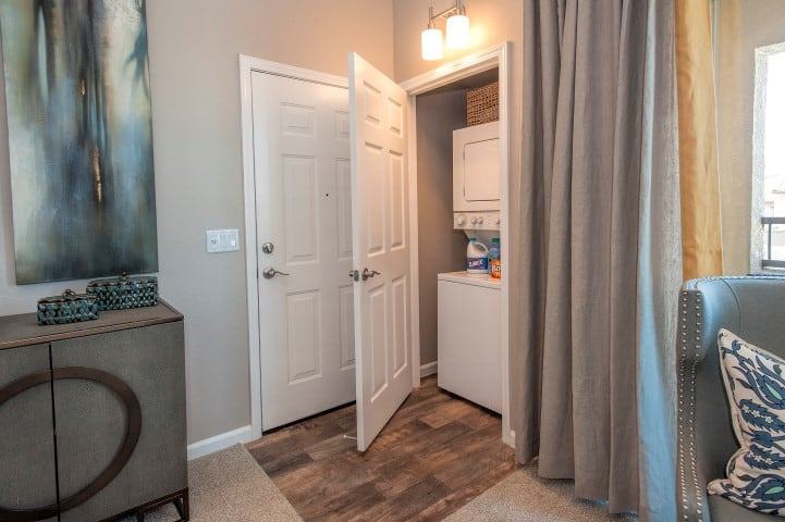 Luxury 1 2 Amp 3 Bedroom Townhomes Amp Apartments In