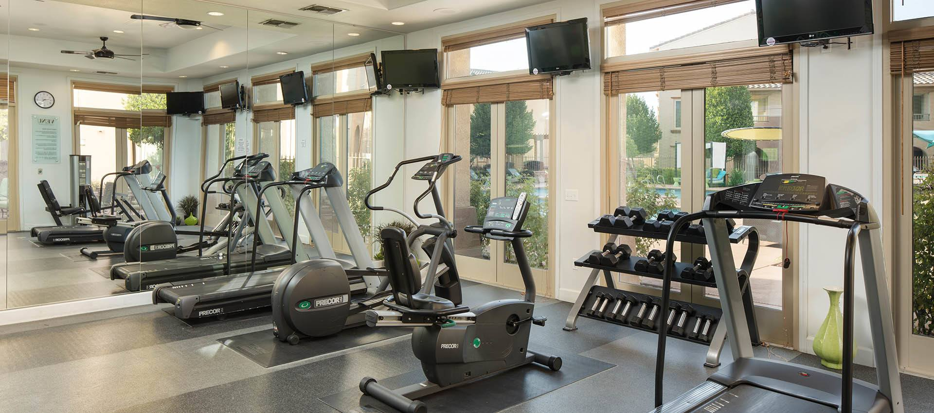 Fitness room at Venu at Galleria Condominium Rentals in Roseville, California