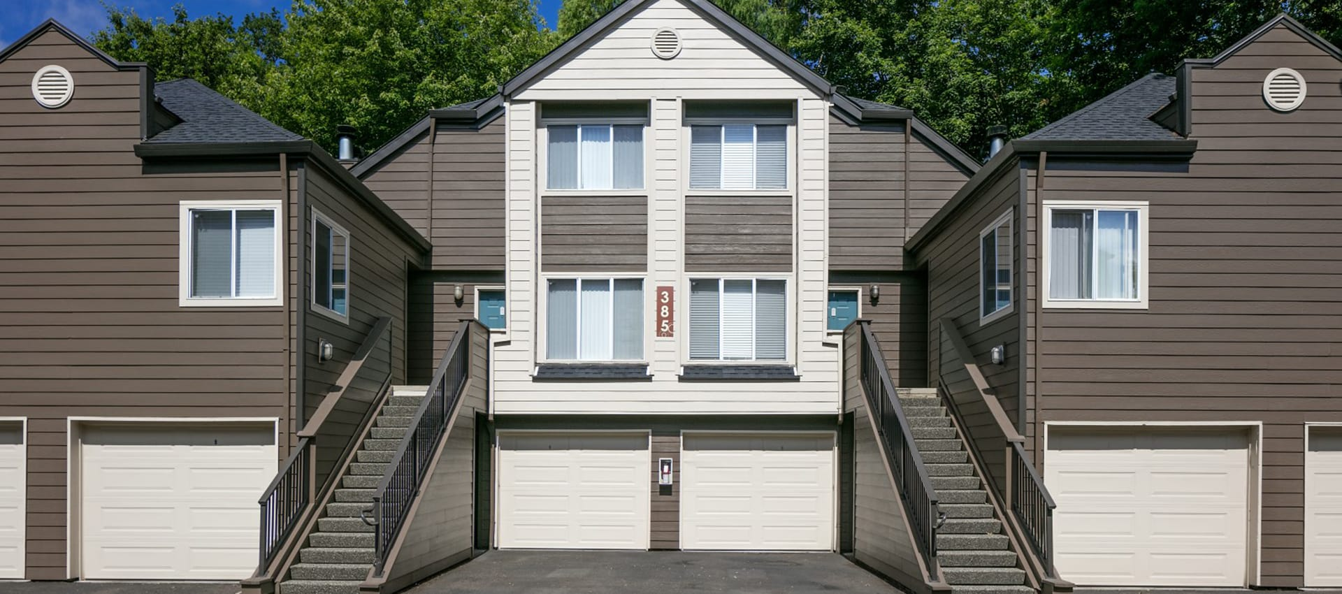 Apartments with Garages at Waterhouse Place in Beaverton, OR