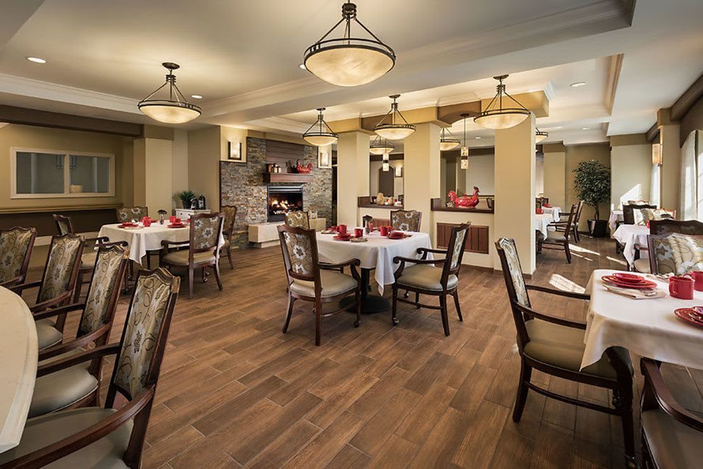 A view of the dining room at our memory care community in Bloomfield Hills, MI