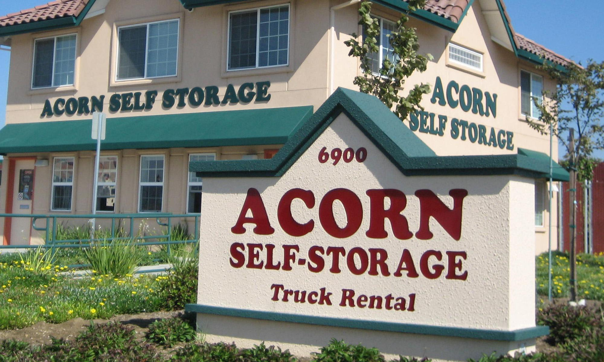 Self storage in Brentwood CA
