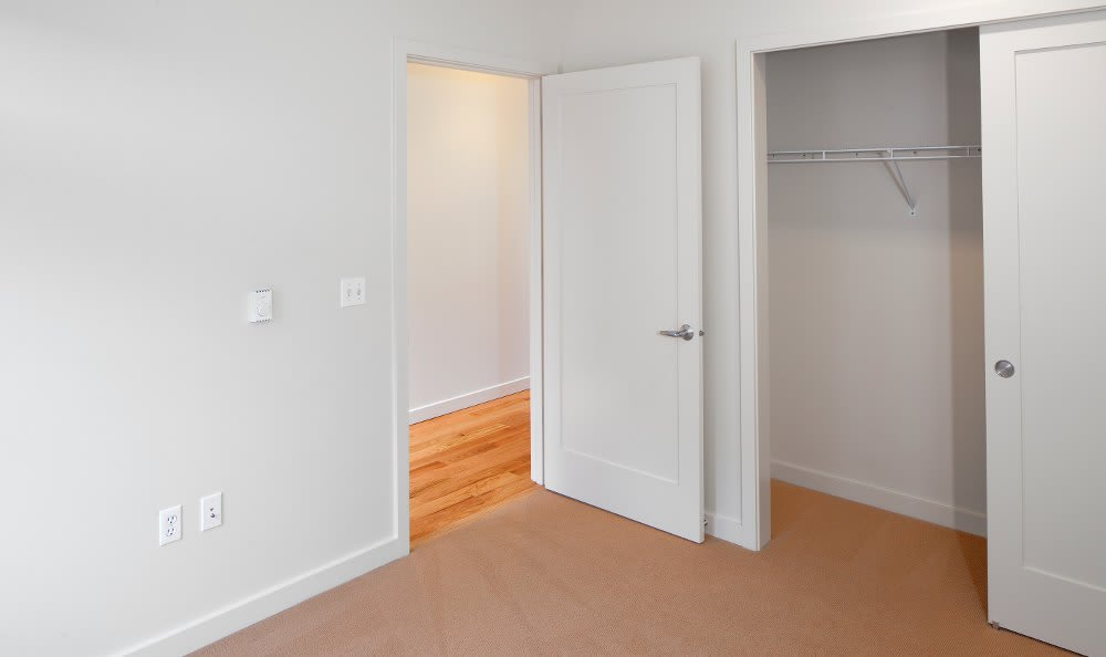 Spacious Rooms At Apartments In NE Portland