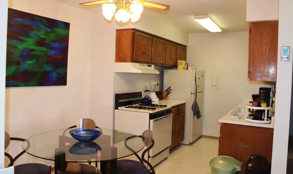 Kitchen At Lincoln Crest Apartments In Location City