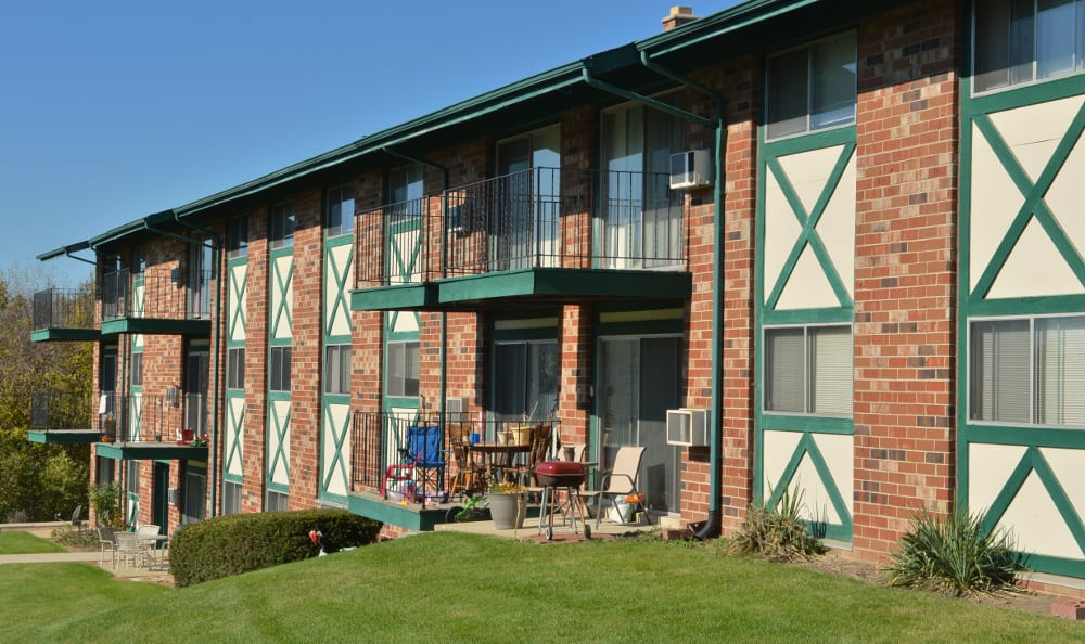 Enjoy your surroundings at Piccadilly Apartments in Greenfield, WI