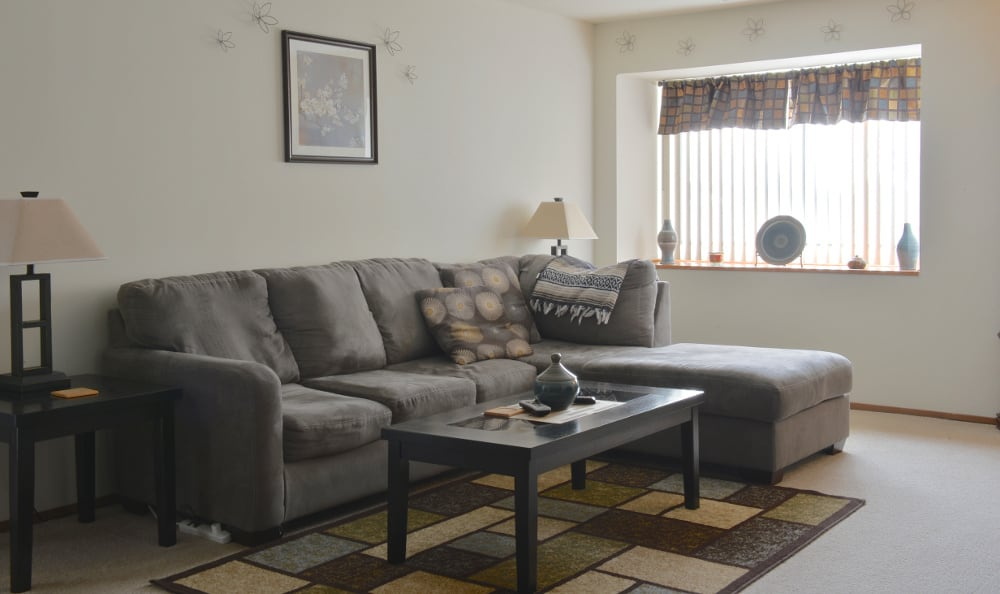 An example living room at Ryan Green Apartments in Franklin, WI