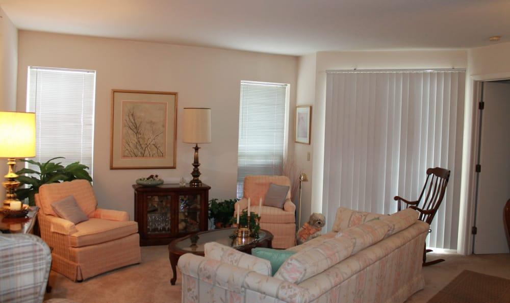 Lincoln Ridge Gallery Living Room
