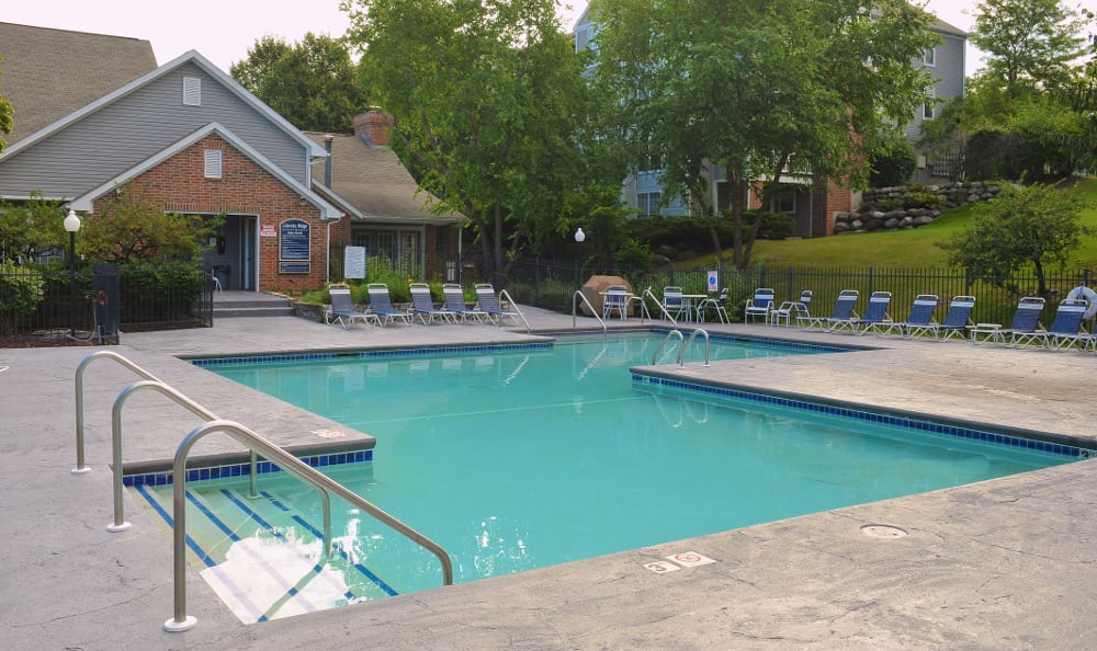 Lincoln Ridge Gallery Pool