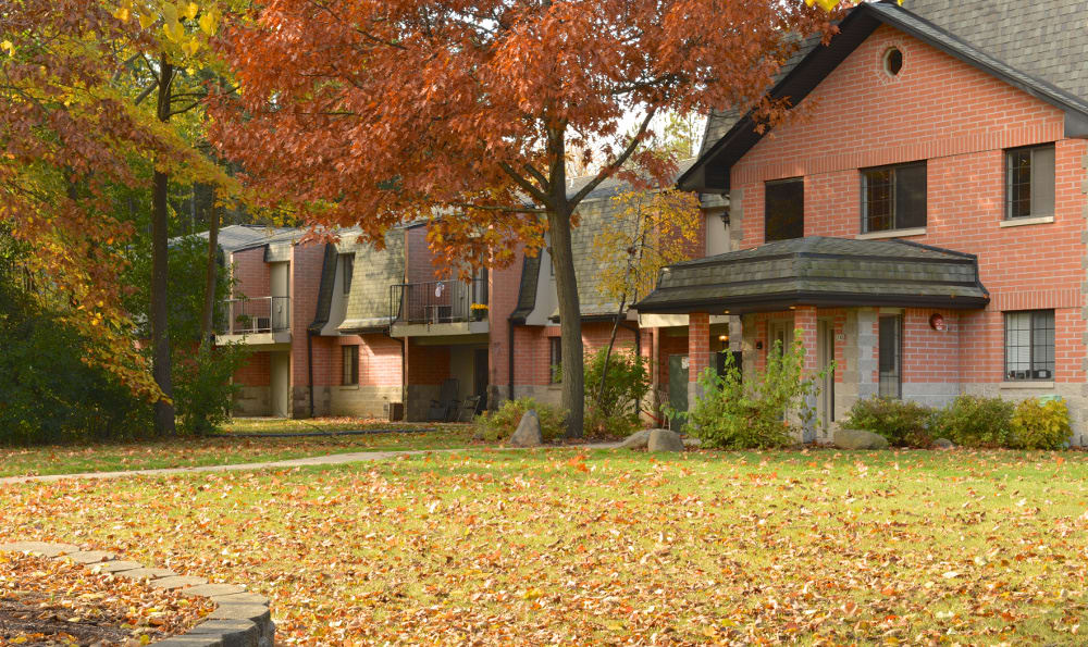 Pinewood Creek offers one and two bedroom apartments for rent in New Berlin, WI