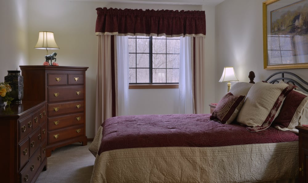 An example bedroom at Pinewood Creek in New Berlin, WI