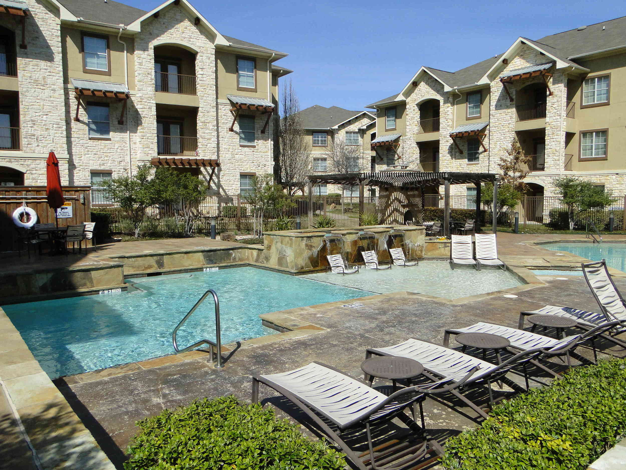 Schedule your tour of Arioso Apartments & Townhomes in Grand Prairie, TX