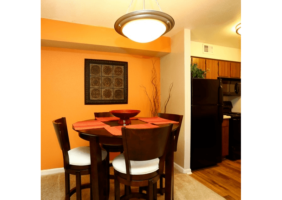 Dining area at Biltmore Park Apartments in San Antonio, TX