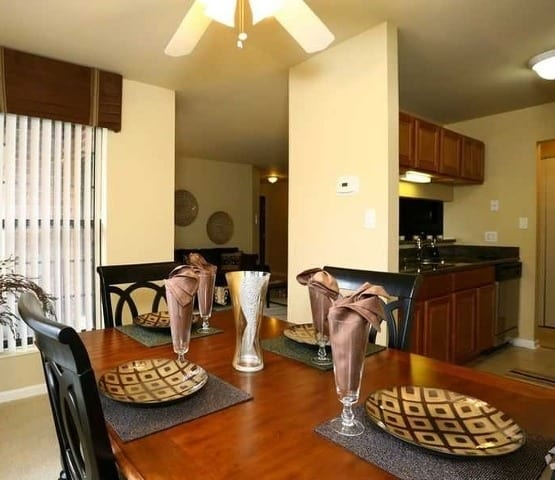 Luxurious amenities abound at Clover Ridge East Apartments in Palatine.