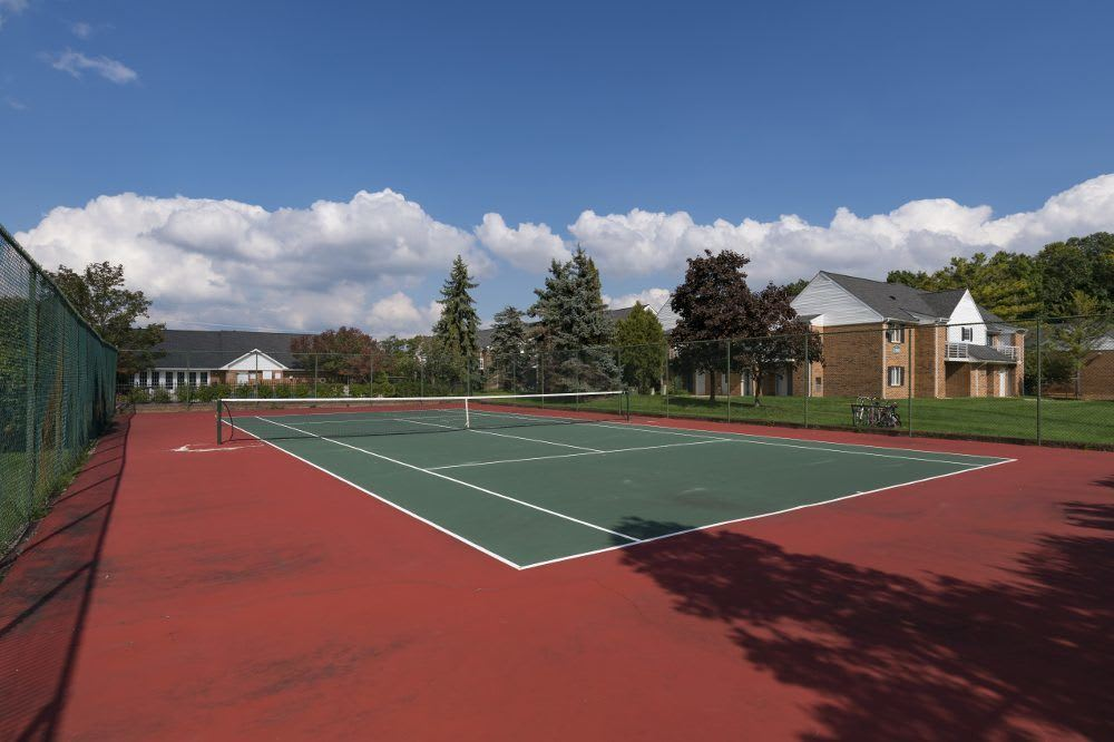 Tennis court at Diamond Forest Apartments