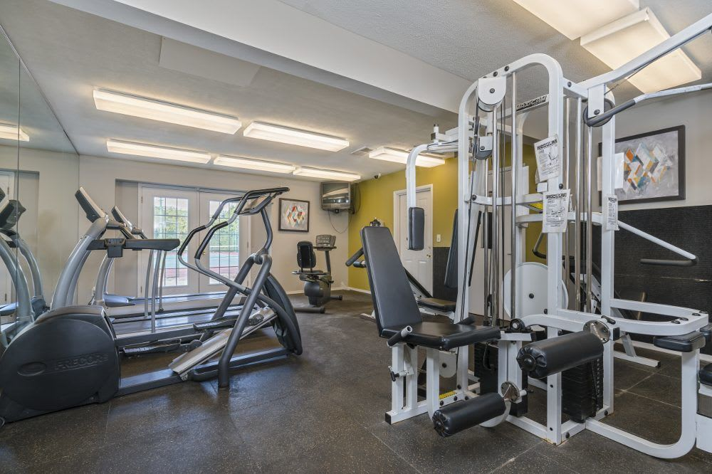 Diamond Forest Apartments with fitness center in Farmington Hills, MI