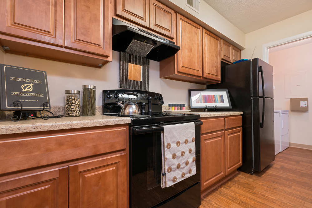 Kitchen 1 in Hamptons of Cloverlane Apartments at Ypsilanti