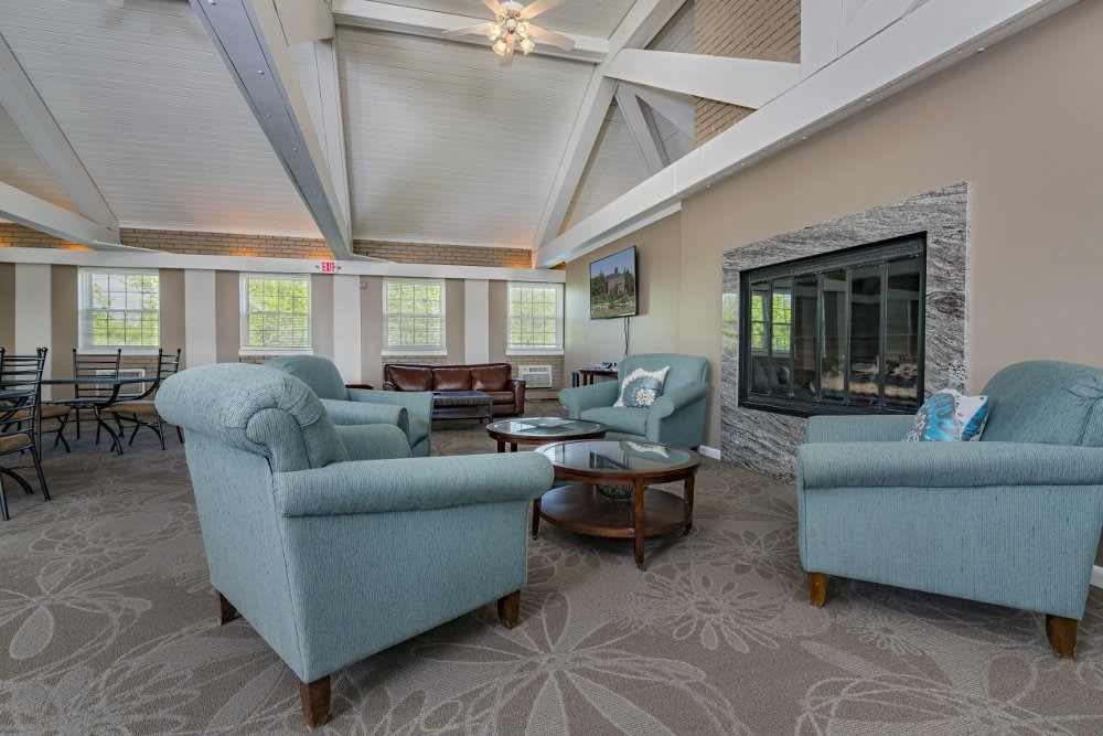 Clubhouse lounge at Independence Green Apartments