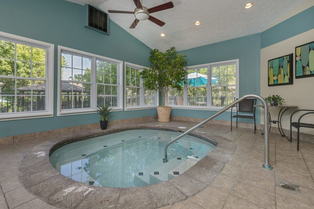 Sturbridge Square Apartments spa