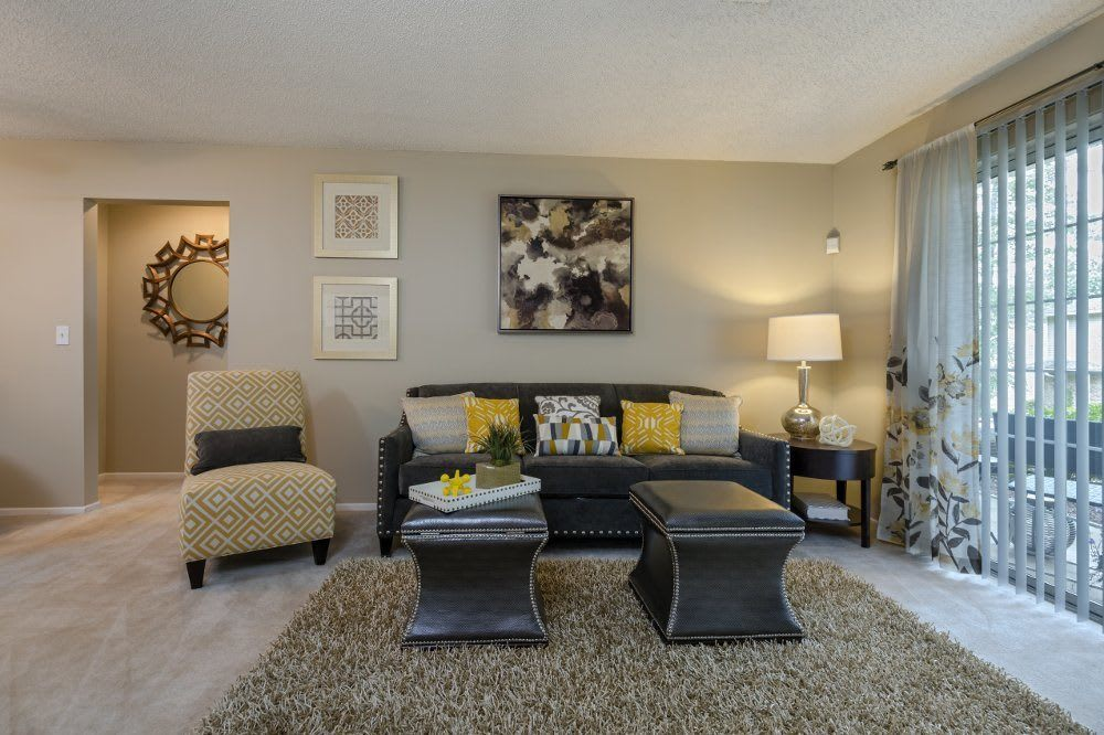 Living room at Sturbridge Square Apartments