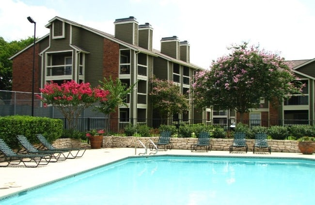 Swimming pool at Westchase Apartments
