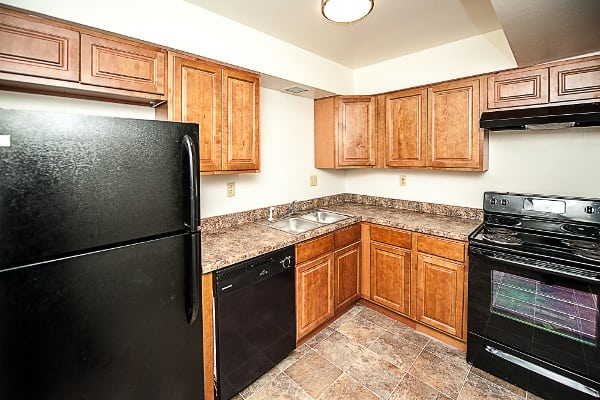 Kitchen amenities at The Woodlands Apartments
