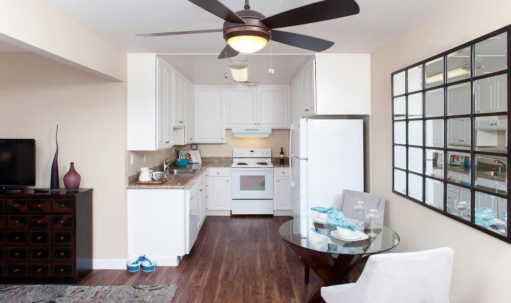 Kitchen at Greenpointe Apartment Homes in Santa Clara, CA