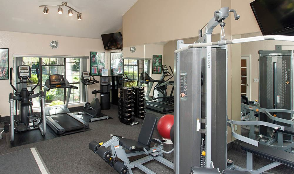 Fitness center at Shadow Creek Apartment Homes