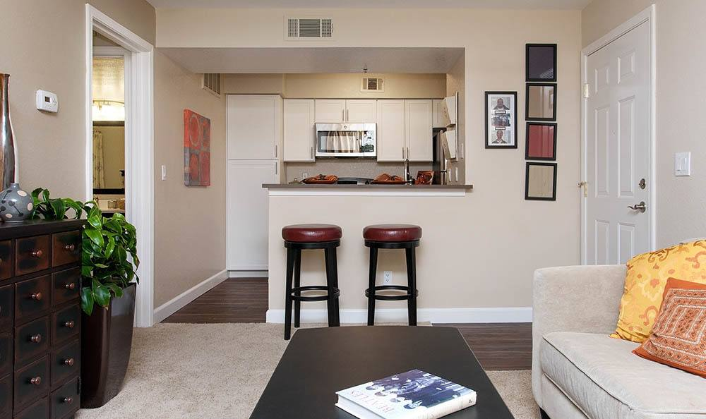 Living room at Shadow Creek Apartment Homes