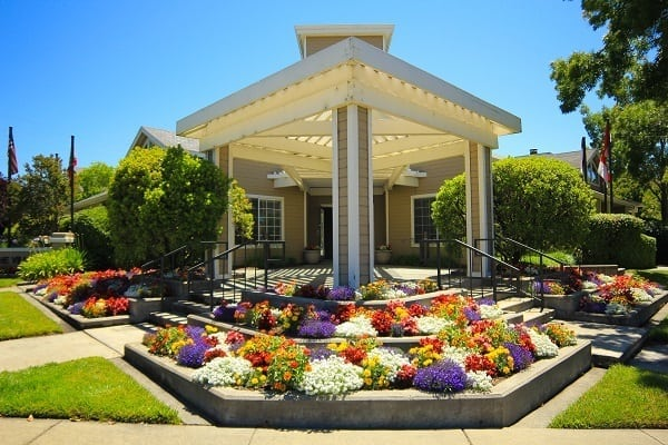 Beautiful garden and walking areas at The Villages in California