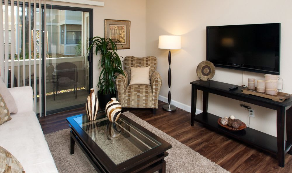Well decorated living room at Vintage Ridge Apartment Homes