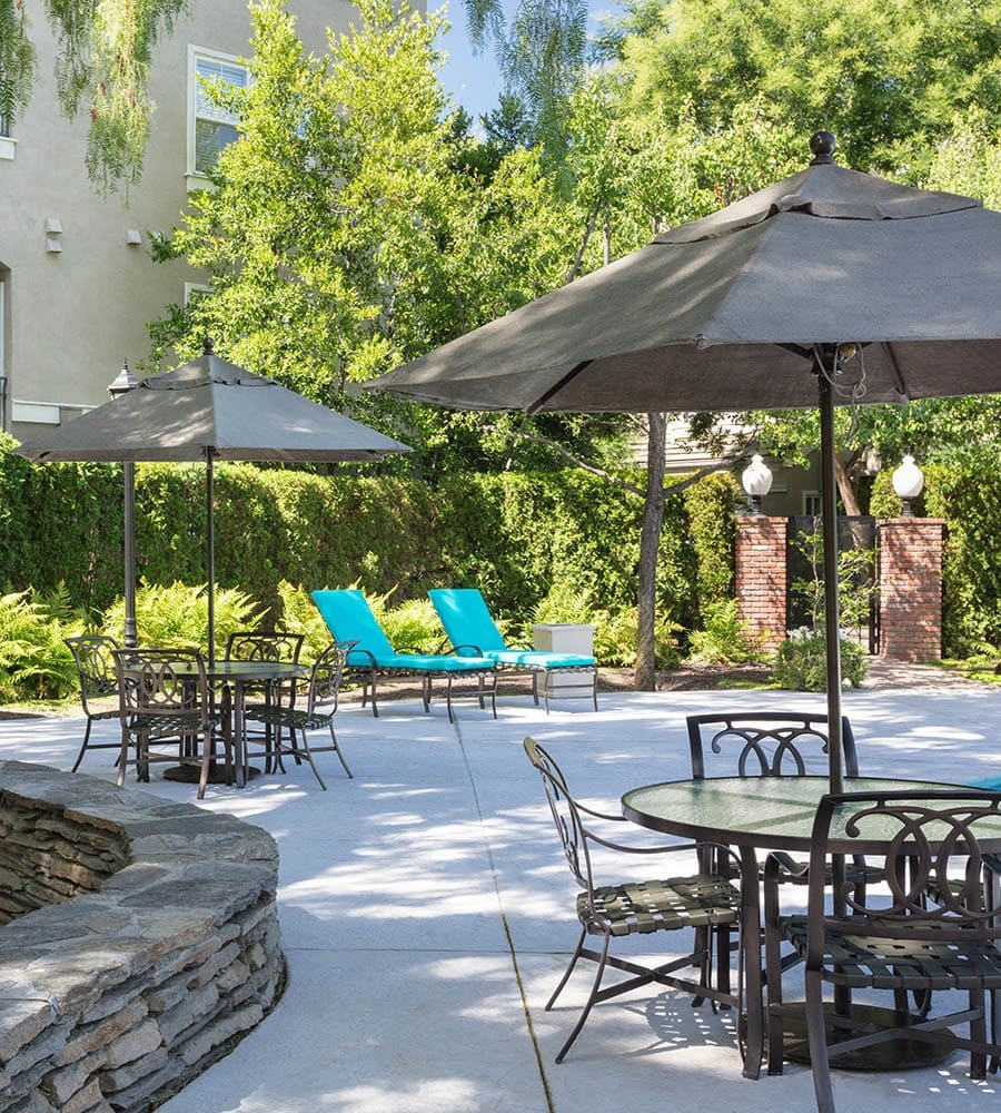 Beautiful outdoor area to relax at apartments in San Jose