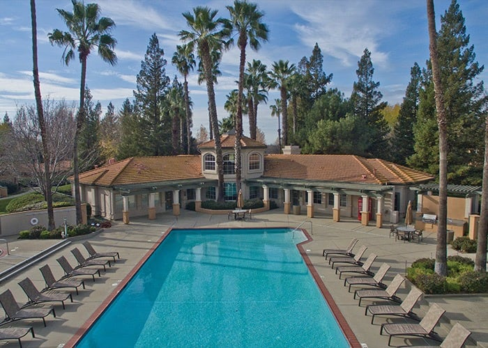Adagio in Sacramento offers a glamorous clubhouse