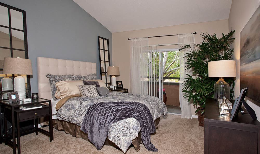 Large Master Bedroom At Adagio