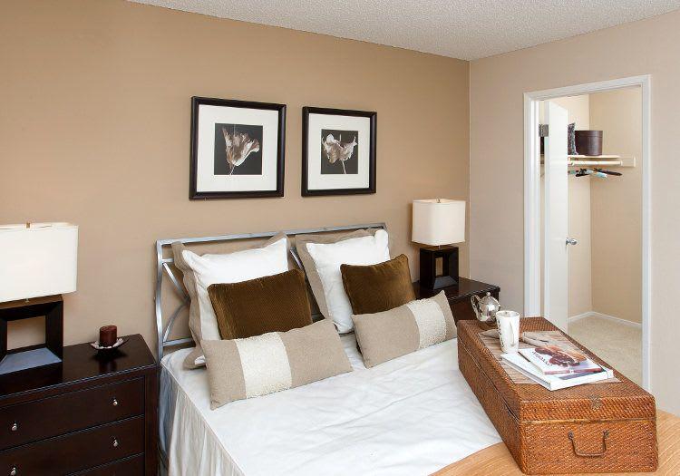 Master bedroom at Lincoln Glen
