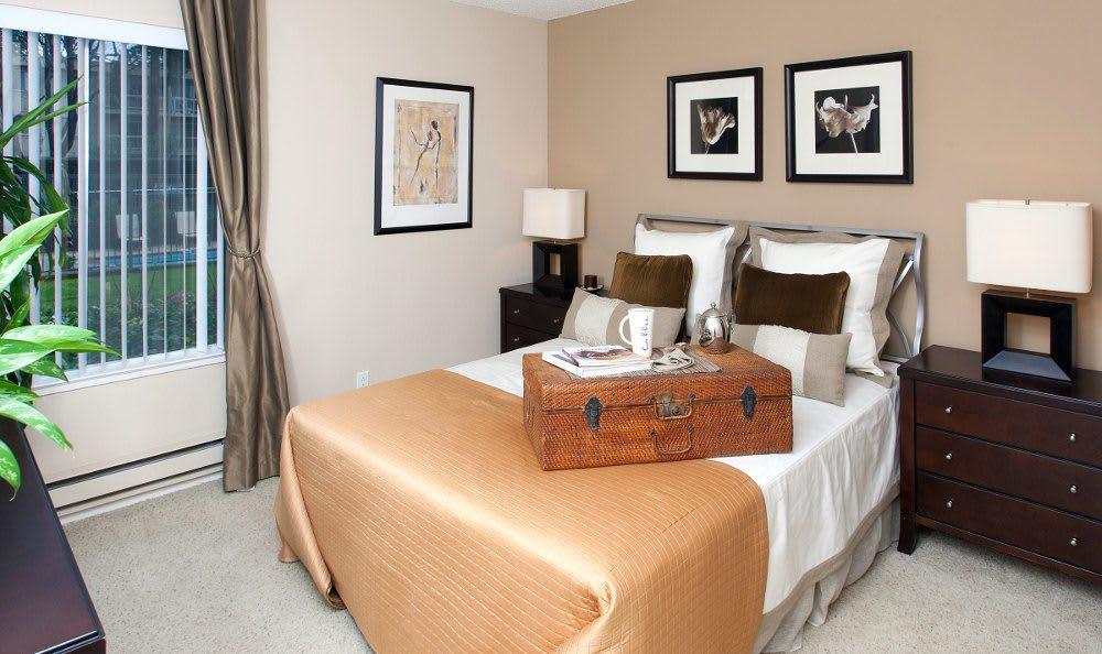 Bedroom at Lincoln Glen