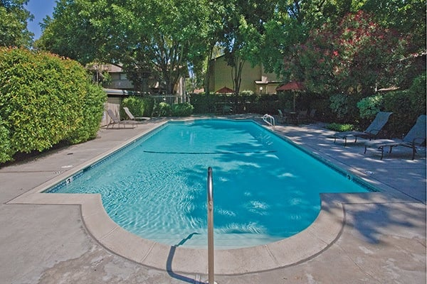 Pool at Del Prado