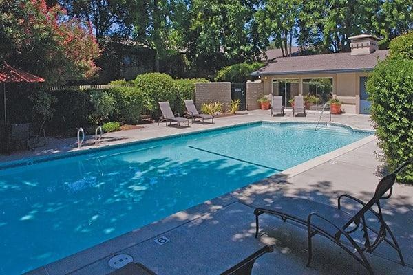 Del Prado refreshing pool