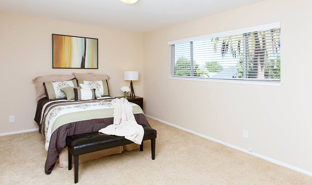 Master Bedroom At Tamarack Apartments In Santa Clara