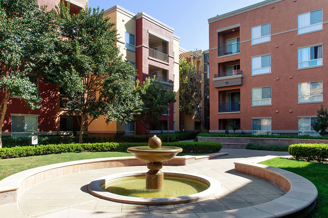 Fountain in one of our luxurious exterior common areas at Waterford Place Apartments in Dublin