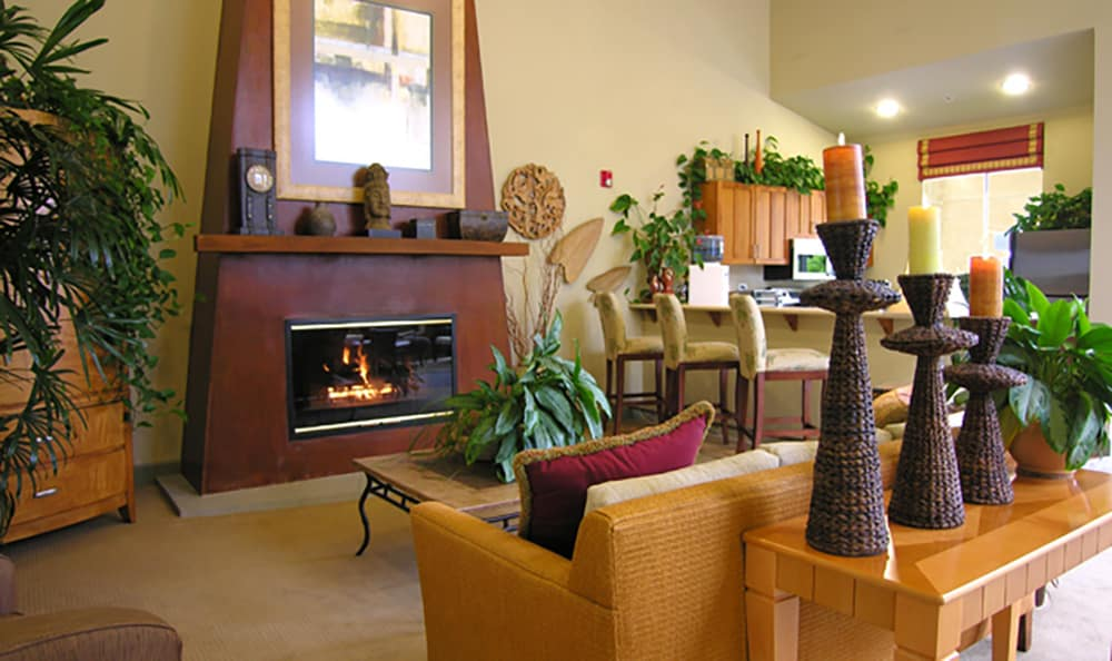 Use the gorgeously decorated clubhouse at Pacific Shores to entertain large groups