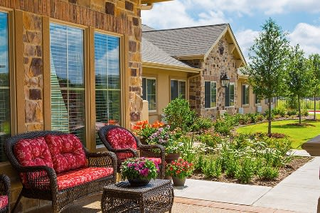 ... Fort Worth Texas Memory Care Community Patio ...