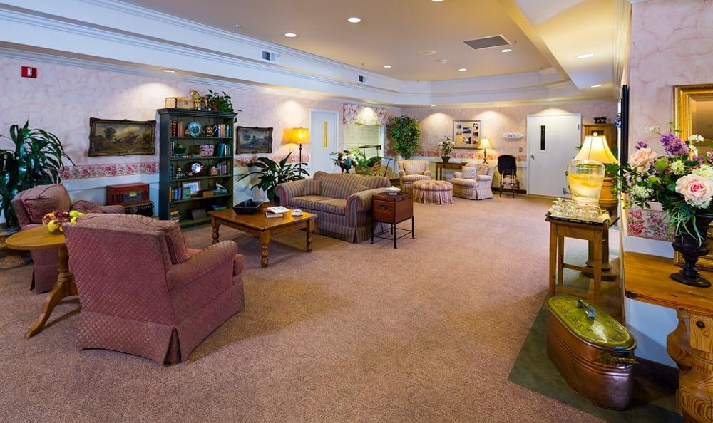 Cozy Rooms At Senior Living In Longview Washington