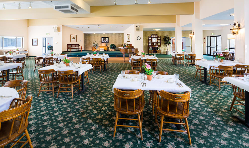Dining At Senior Living In Longview