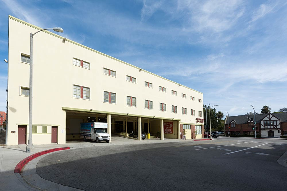 Self storage facility in Pasadena, CA with loading dock.
