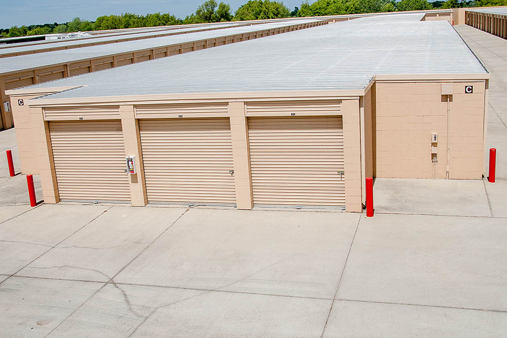 Variety of units storage facility in Elk Grove, CA.